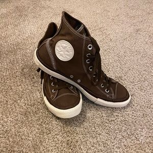 Like new Men's high top Converse All Star size 10